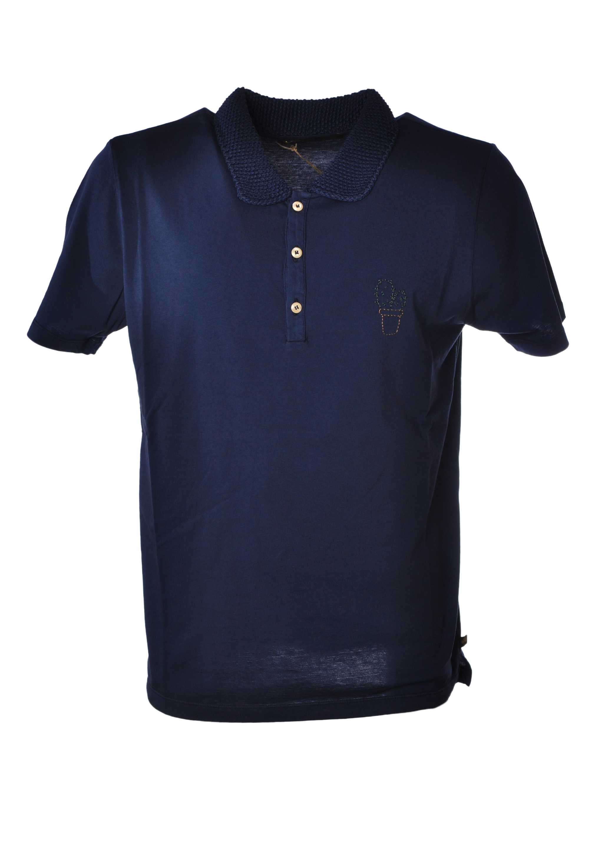 polo singles & personals We've been around young singles and not-so-young singles,  about to read is the 10 things you should know about dating in  up shirt or polo.
